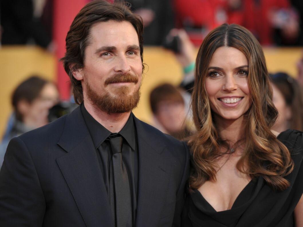 <strong>BESTE MANNLIGE BIROLLE:</strong> Christian Bale stakk av med prisen for beste mannlige birolle for «The Fighter». Her med kona Sibi Bale. Foto: All Over Press