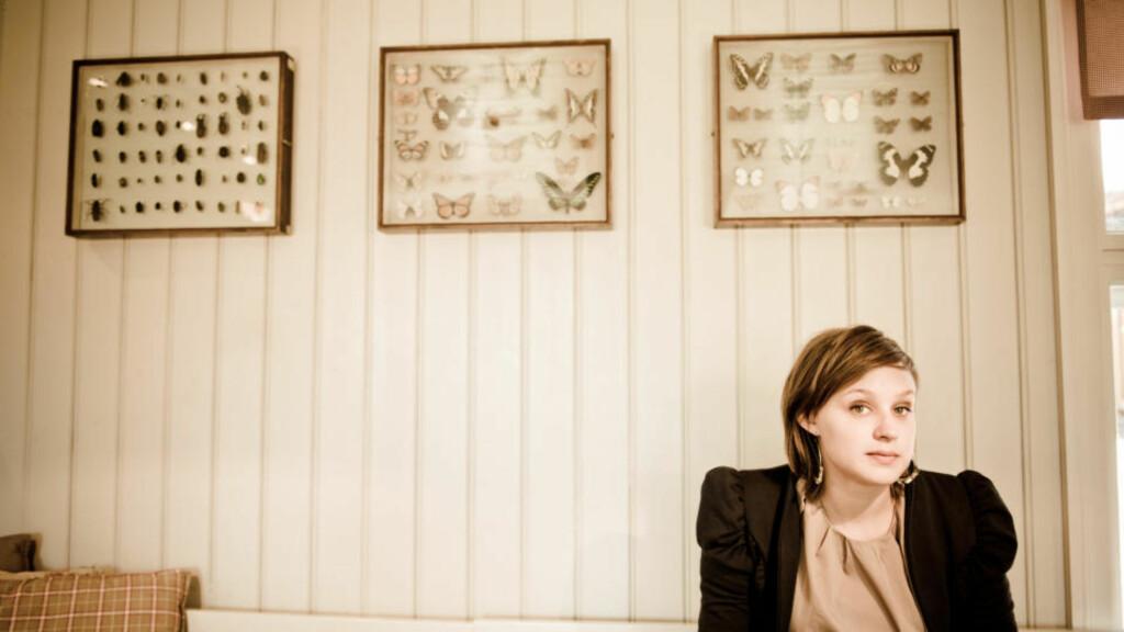 MYK INNGANG: Frida Ånnevik kommer ikke akkurat buldrende inn i norsk musikkliv. Hun er snarere en slags visepop'ens svar på Solveig Slettahjell. Foto: Andreas Ulvo/Grappa