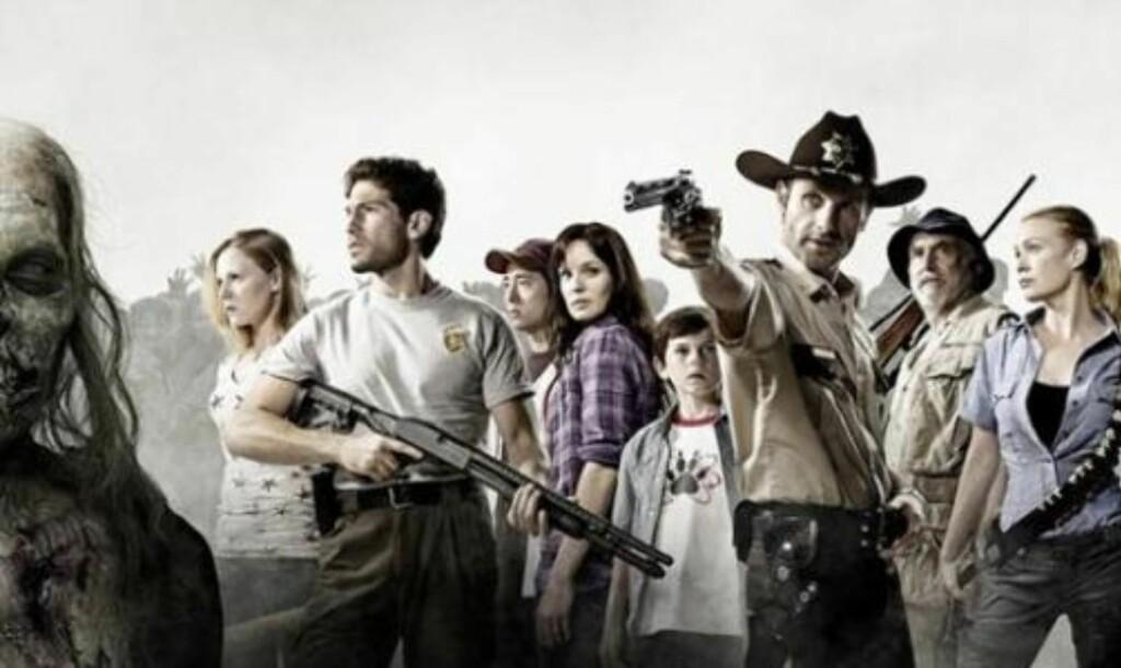 STÅR SAMMEN: De overlevende i «The Walking Dead» må holde sammen for å overleve. Foto/video: AMC