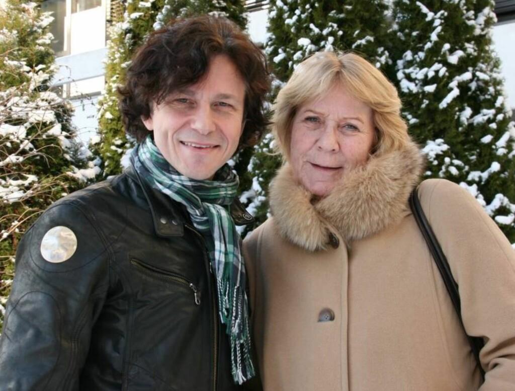 PÅ TV: TV-profilene Anne Grosvold og Ronny Kristoffersen er tilbake på skjermen med portrettprogrammet «Anne & Ronny møter 8 med vilje», som sendes på NRK1 på torsdager.  Foto: Adéle C. Blystad/Seher.no