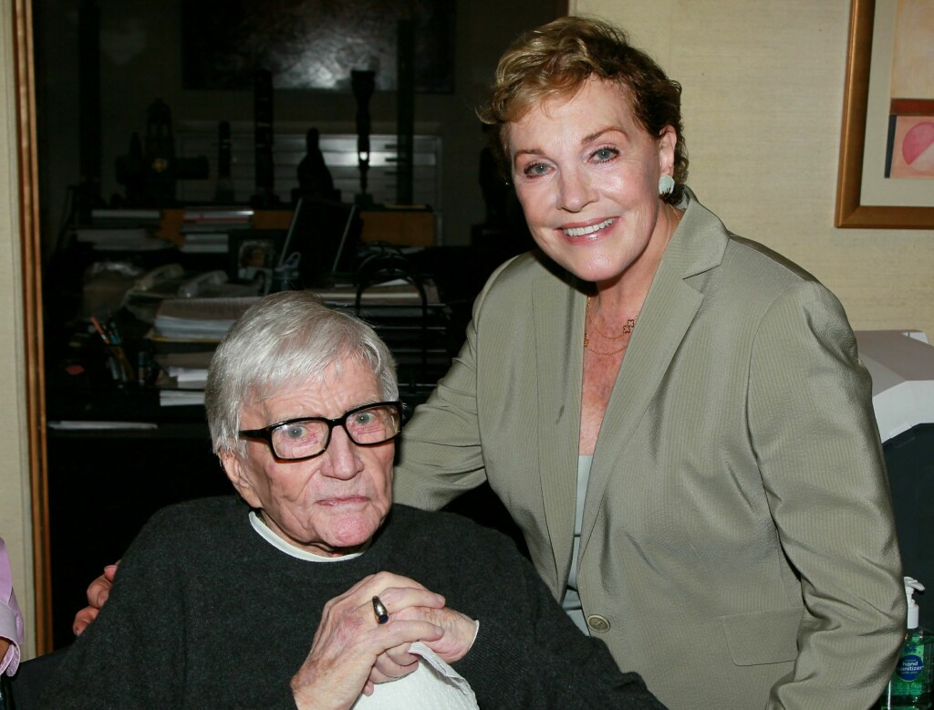 GIKK BORT: Dame Julie Andrews ektemann, den anerkjente filmregissøren Blake Edwards, gikk bort onsdag kveld.  Foto: All Over Press