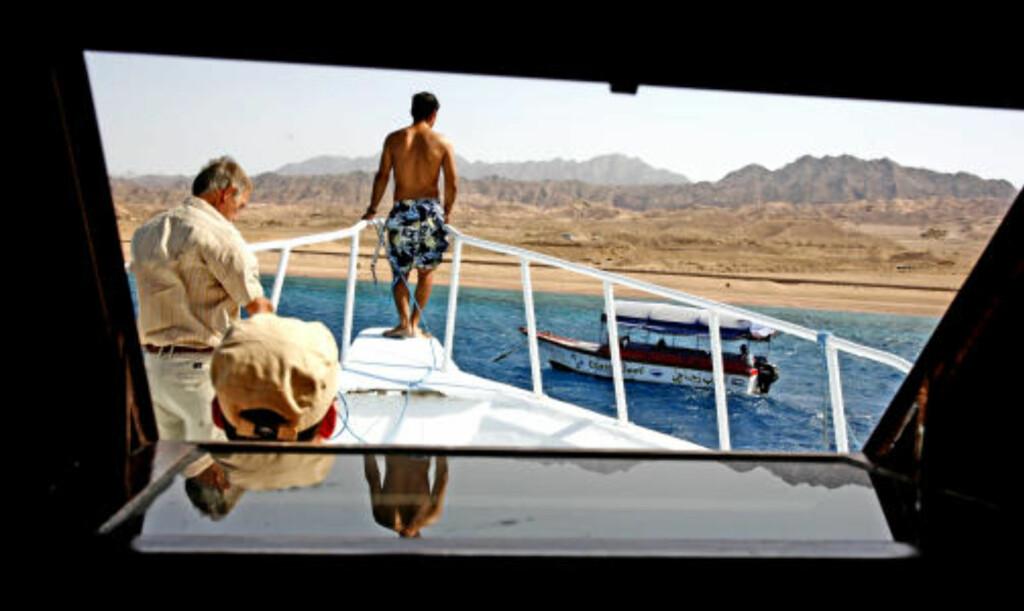 BADELIV: Strendene langs Rødehavet ved byen Aqaba er lange og flotte og egner seg utmerket for snorkling langs spennende korallrev.