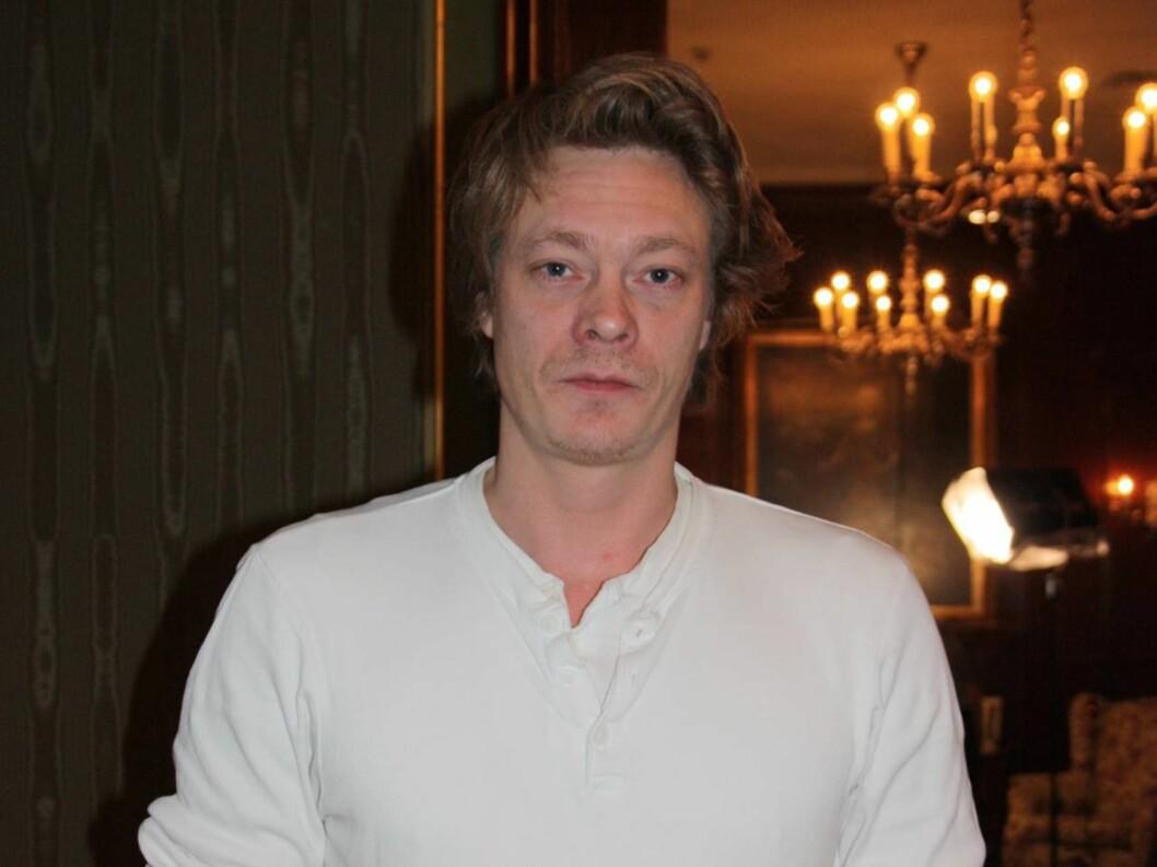 PREMIEREKLAR: Kristoffer Joner har en av de sentrale rollene i regissør Marius Holsts nye storfilm «Kongen av Bastøy», som har Norgespremiere fredag 17. desember.  Foto: Adéle C. Blystad/Seher.no