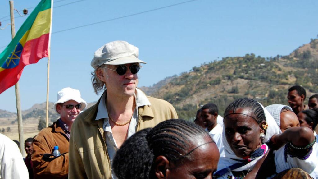 FIKK BEKLAGELSE: Bob Geldof har samlet inn penger til Afrika en rekke ganger. Nå har BBC trukket tilbake og beklaget påstandene om at pengene gikk til våpen. Foto: AFP