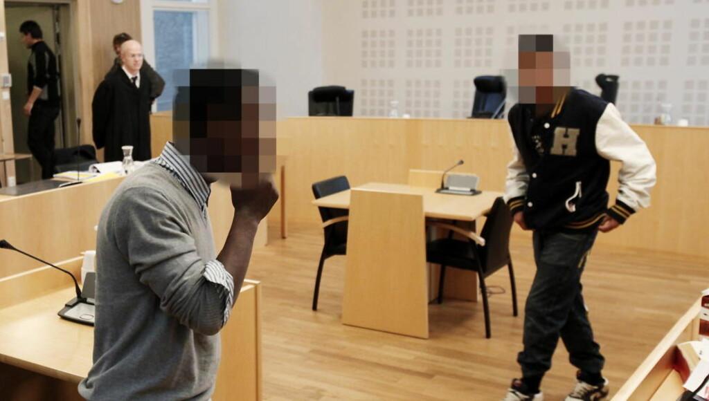 BARNERANERE: Politiet mener disse gutta ble presset av Hels Angels for uoppgjort narkogjeld. Rettssaken mot fem unge ranere pågår nå i Kristiansand. Den hovedtiltalte 15-åringen til venstre.  Foto: ERLING HÆGELAND/Dagbladet