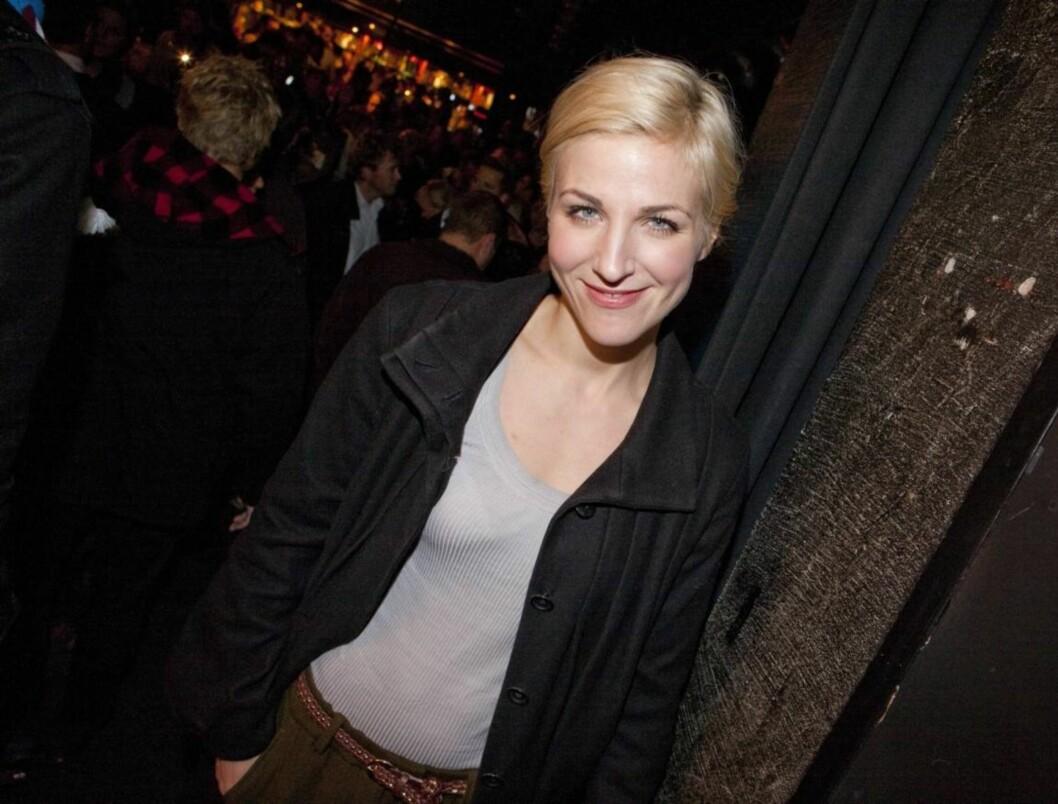 <strong>IKKE STRESSET:</strong> TV 2-profil Guri Solberg har kommet seg raskt tilbake i form etter at hun fødte datteren Ella i fjor sommer. Her er hun på før-premieren av «Radioresepsjonen på TV» tirsdag denne uken.  Foto: Per Ervland/Seher.no