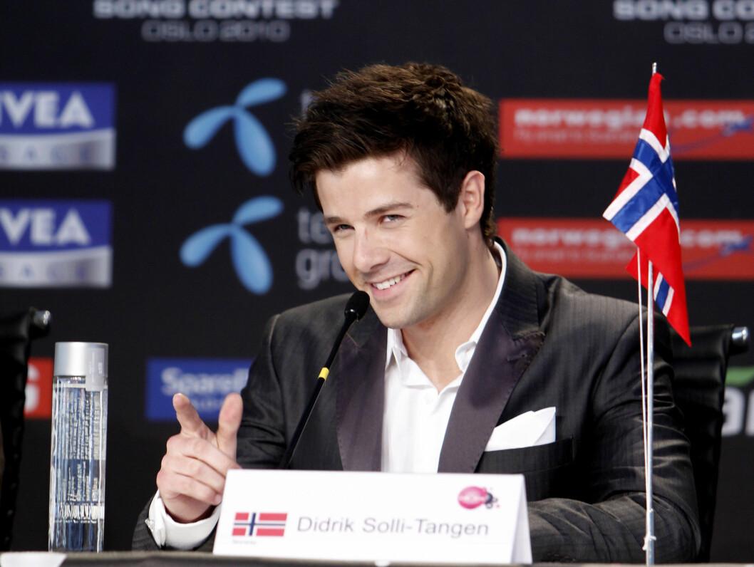 PRESSEKONFERANSE: Fredag holdt Didrik Solli-Tangen og den norske delegasjonen deres siste pressekonferanse før finalen.  Foto: Scanpix