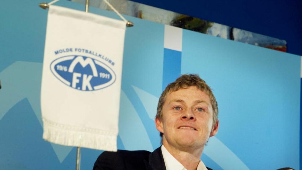 RØRT: En rørt Ole Gunnar Solskjær under pressekonferansen der han ble presentert som ny manager i Molde fotball-klubb. Foto: Heiko Junge / Scanpix