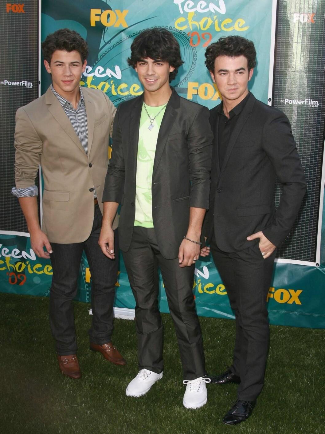 OPPTRÅDDE: Gutta i The Jonas Brothers opptrådde under prisutdelingen.  Foto: Stella Pictures