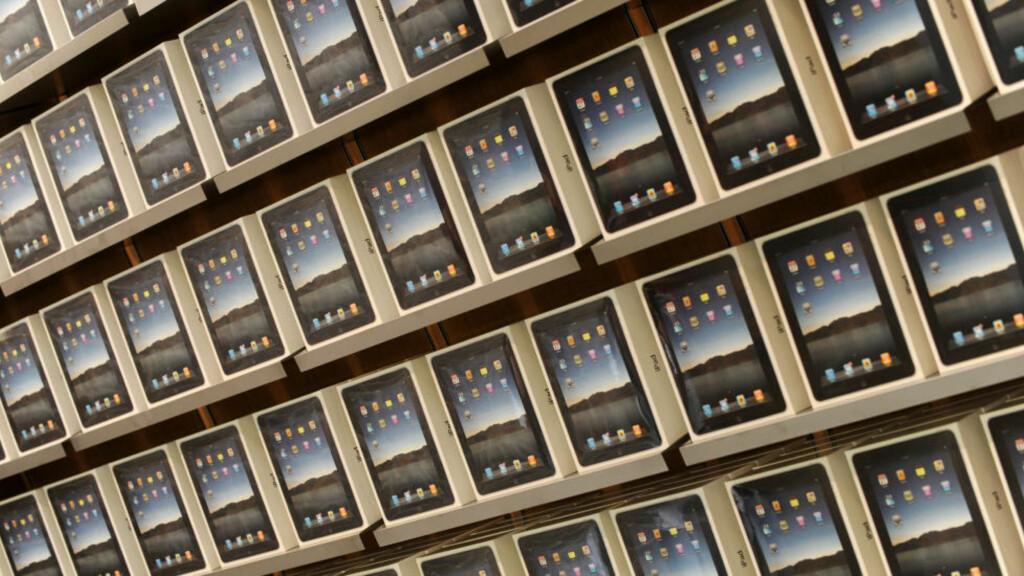 SNART TIL NORGE: Snart kommer iPad i vanlig salg i Norge. Vi vet at nettbrett utløser betalingsvilje, men gjør de det for redaksjonelle nyheter? Foto: SCANPIX