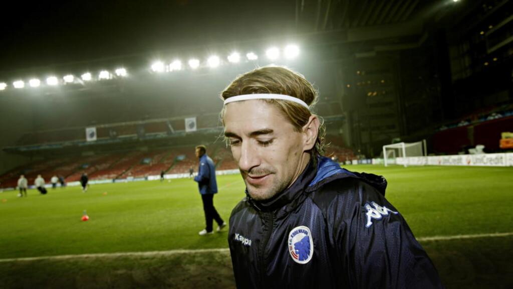BOMMET OG SCORET: Cesar Santins første straffe endte i returscoring, den andre fikk han selv over streken. Foto: Kristian Ridder-Nielsen/Dagbladet.
