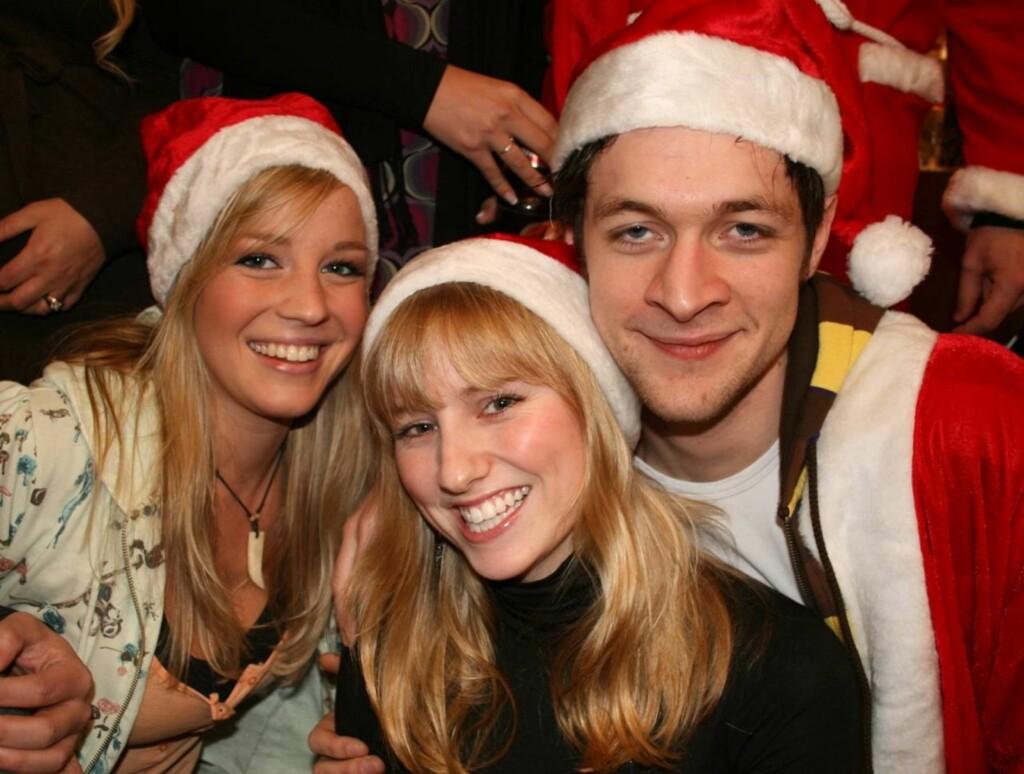 """ROLIG JUL: Både Nicoline, Sofie og Bjørnar ser frem til en rolig og avslappende jul etter den travle """"Grease""""-høsten.  Foto: Seher.no/Anders Myhren"""