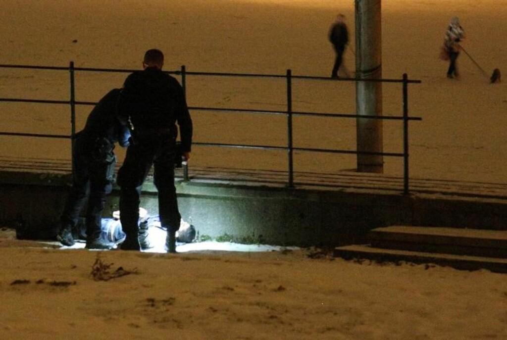 SKUTT: Slik fant politiet Imran Saber noen meter fra bilen hans på Jordal søndag kveld. Foto: SVEIN GUSTAV WILHELMSEN