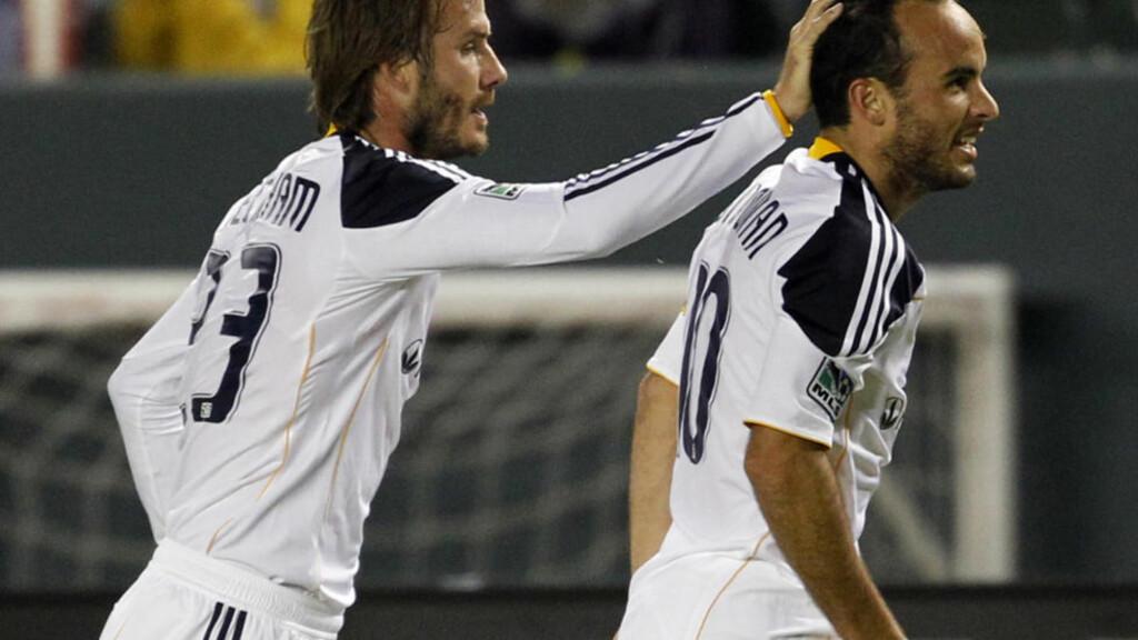 LAGKAMERATER: Beckham og Donovan feirer etter et mål mot Seattle Sounders FC 7. november. Foto: REUTERS/Lucy Nicholson/Scanpix