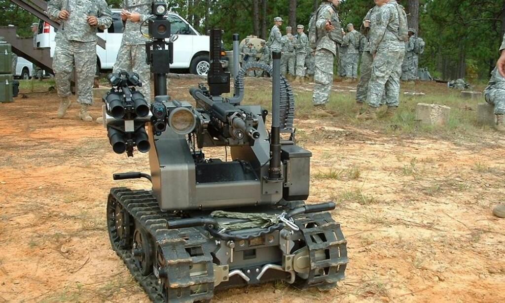 DRAPSMASKIN: «Maars» har påmontert et M240B-maskingevær, som kan skyte 750 skudd i minuttet, og en granatkaster med høyeksplosive 40mm-granater. Foto: Det amerikanske militæret