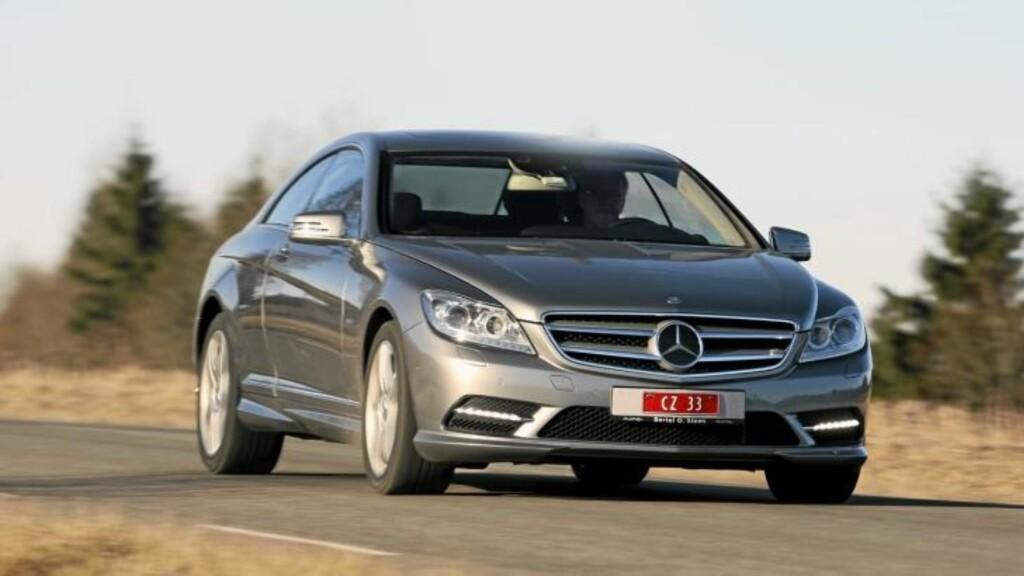 LUKSUS: Mercedes CL 500 4Matic oser av luksus. Foto: Egil Nordlien/HM Foto