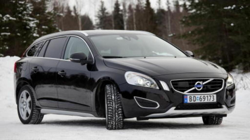 SVENSK PÅ FEMTE: Sportslige Volvo S60. Foto: SVEINUNG U. YSTAD