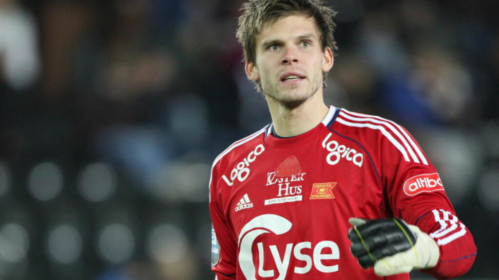 MÅ PUNGE UT: Rosenborg må betale Odd Grenland nye tre millioner kroner for Rune Almenning Jarstein.Foto: Trond Reidar Teigen / SCANPIX