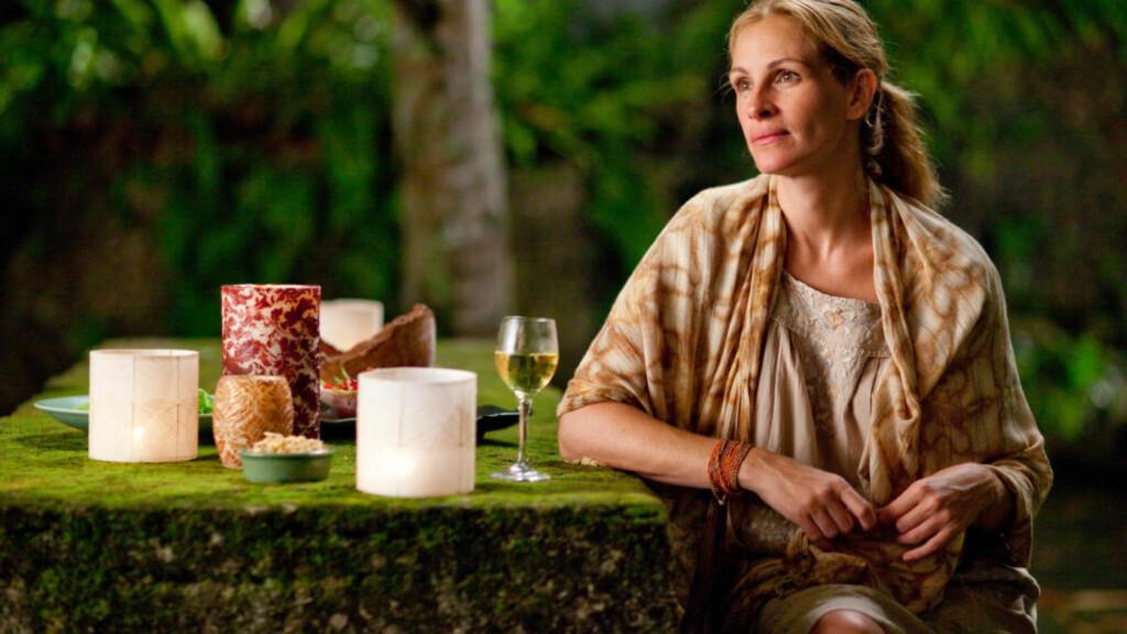 SLAKTOFFERET: Julia Roberts-filmen «Spis, elsk, lev» ble gjenstand for anmeldernes forakt. Det er vanskeligere å redde en dårlig jentefilm enn en dårlig guttefilm, mener Dagbladets anmelder.