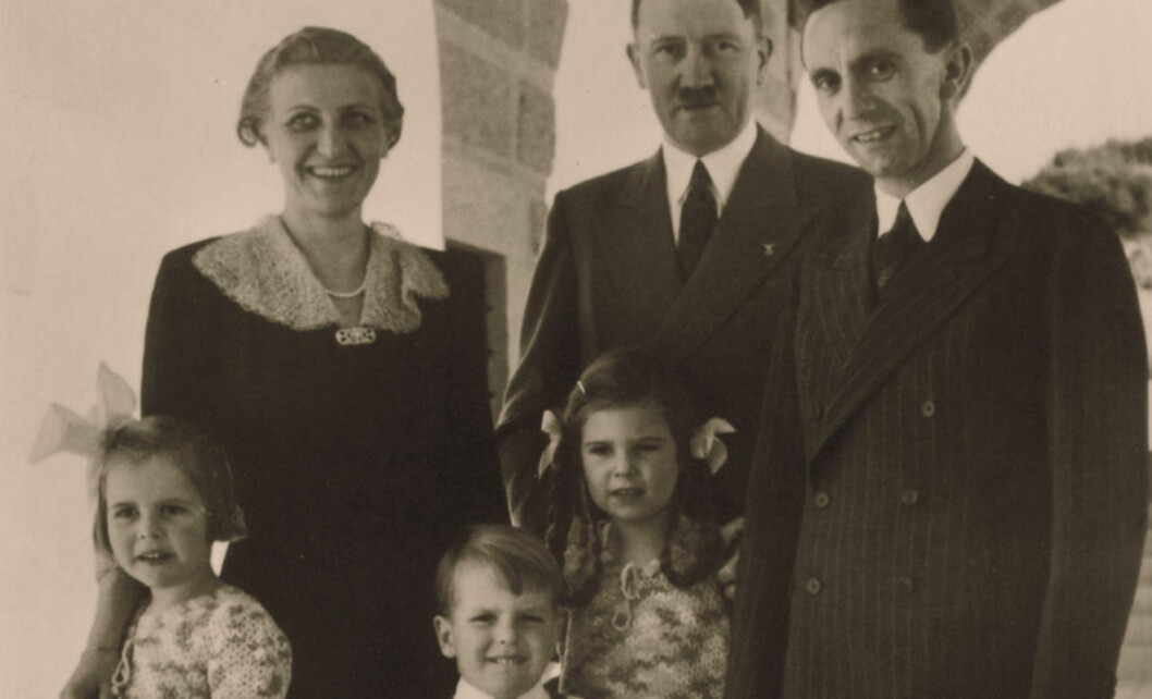 BORGERLIG IDYLL: Magda og Joseph Goebbels med barneflokken — som alle hadde H-navn - Helga (født 1932), Hildegard (født 1934), Helmut (født 1935), Hedwig (født 1937), Holdine (født 1938) og Heidrun (født 1940). I virkeligheten var ekteparet hver for seg dypt forelsket i Adolf Hitler. Foto: Skanpix