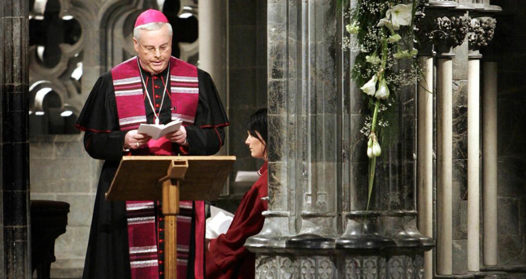 """BLE ANKLAGET: Den tidligere biskop Georg Müller ble avskediget som biskop etter at """"David"""" anklaget ham for seksuelt misbruk. Foto: Gorm Kallestad  / SCANPIX ."""