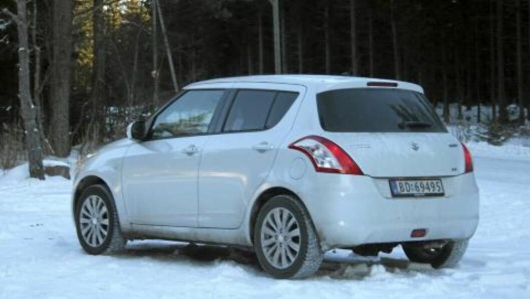 SMÅBIL: Swift har veldig få direkte konkurrenter. Tohjulsdrevne småbiler er det derimot mange av. Foto: Pål André Skogen