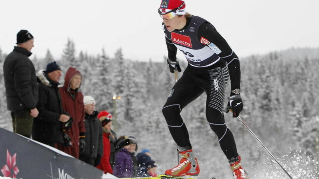 TOK JÖNSSON: Anders Gløersen startet bak inn på oppløpet, men kom som en rakett og suste forbi Emil Jönsson.  Arkivfoto: Håkon Mosvold Larsen / Scanpix