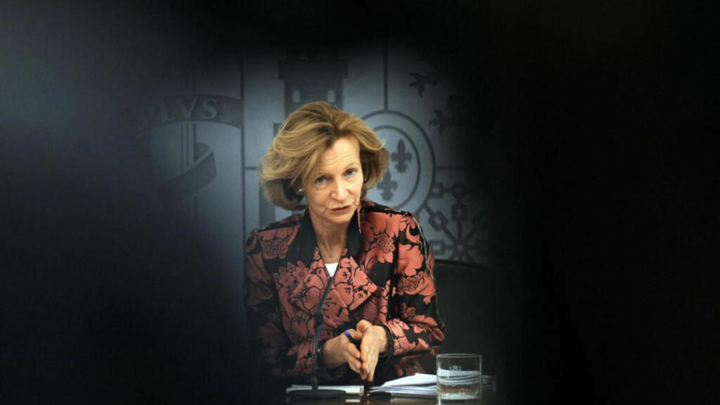 - NEI TAKK: Den spanske finansministeren Elena Salgado hever pensjonsalderen fra 65 til 67 år. Krisepakke fra EU og IMF ønsker hun ikke. FOTO: AFP PHOTO