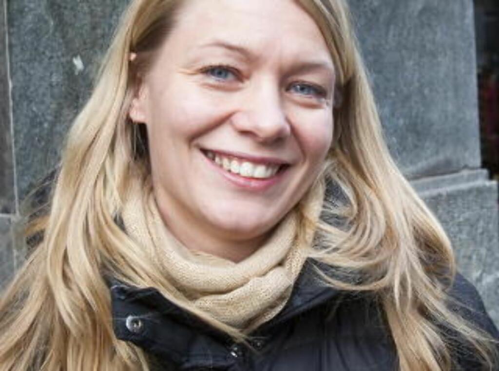 Renate Strandseter (30), lærer:1: Har bare fått én julegave tidligere: en julekopp.2: Ingenting.3: Regner ikke med å få noe, vi har ingen julegavepott -  pengene må gå til elevene.