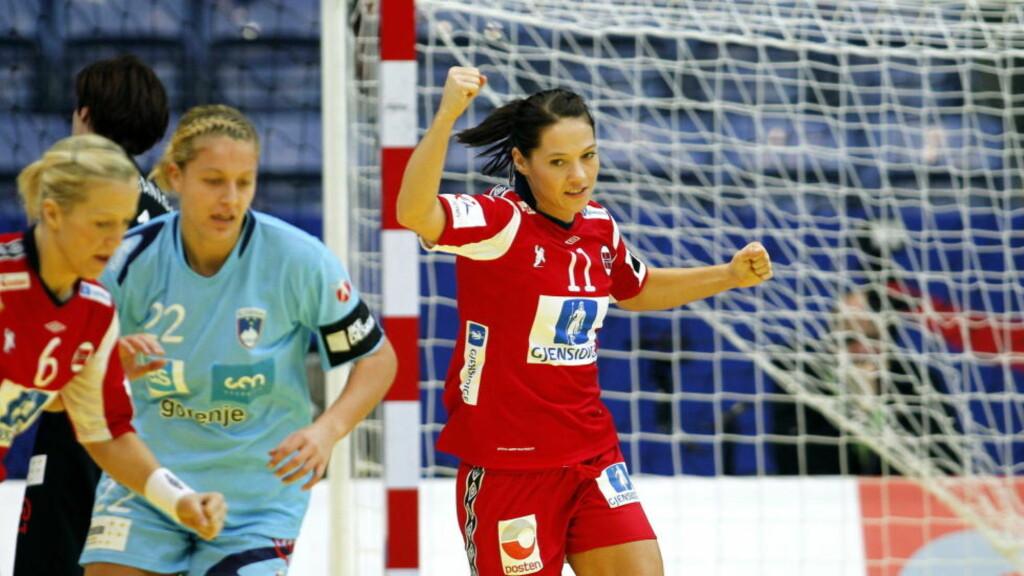 KONTRINGSESS: Heidi Løke og Kari Mette Johansen er så hurtige at motstanderne ofte bare hører lyden av dem. Foto: GORM KALLESTAD/SCANPIX