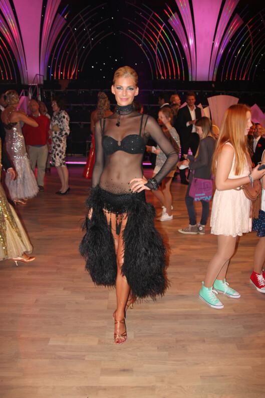 """LETTKLEDD PÅ GULVET: Kathrine Sørland stod for kveldens dristigste kjole i lørdagens utgave av """"Skal vi danse"""" Foto: Lina Hekkli, Seoghør.no"""