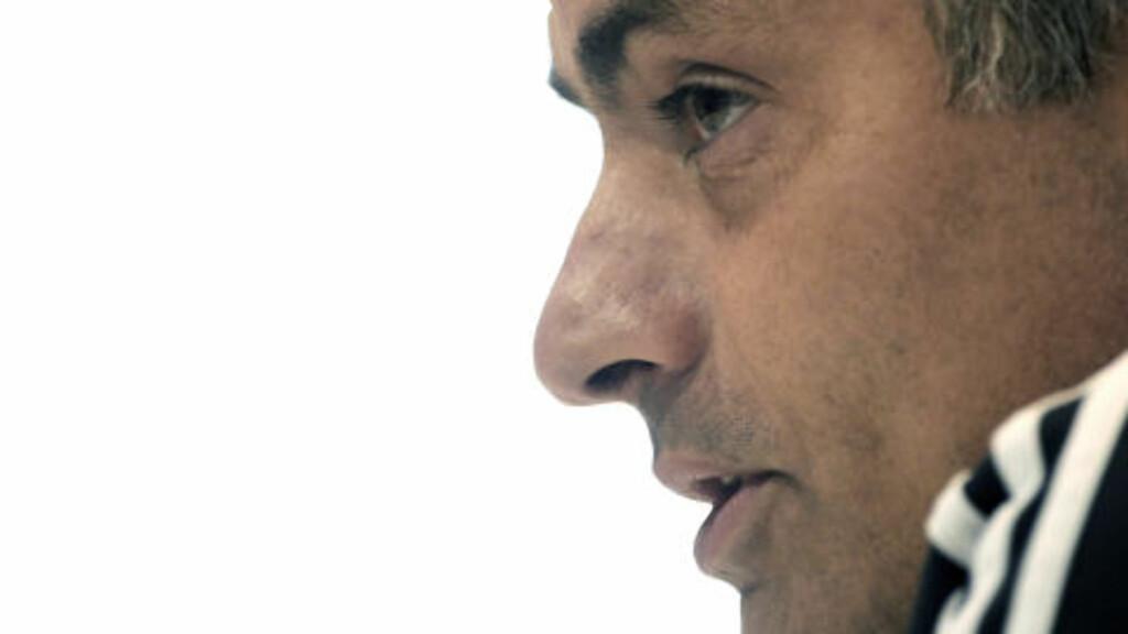 STIKK: Jose Mourinho har ikke vært redd for å kritisere sin Inter-etterfølger. Foto: AFP/JAVIER SORIANO