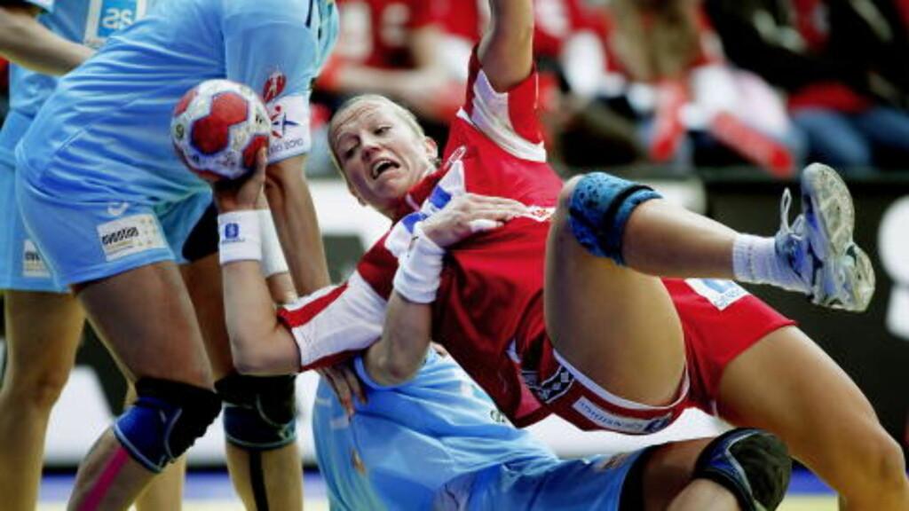 2674: Bare 2674 så Heidi Løke og Norge leke med Slovenia 32-16. Foto: Bjørn Langsem / Dagbladet.