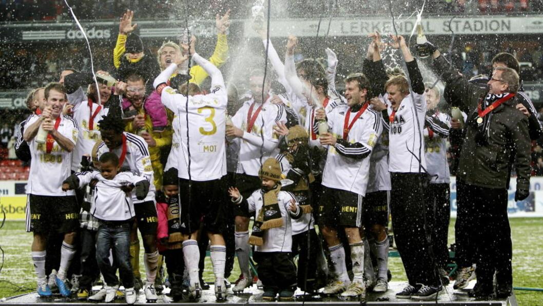 GULLMEDALJENS BAKSIDE: Rosenborg vant et overbevisende seriegull i år også. Samtidig har klubben hentet en lang rekke spillere som ikke har slått til. Foto: Gorm Kallestad, Scanpix