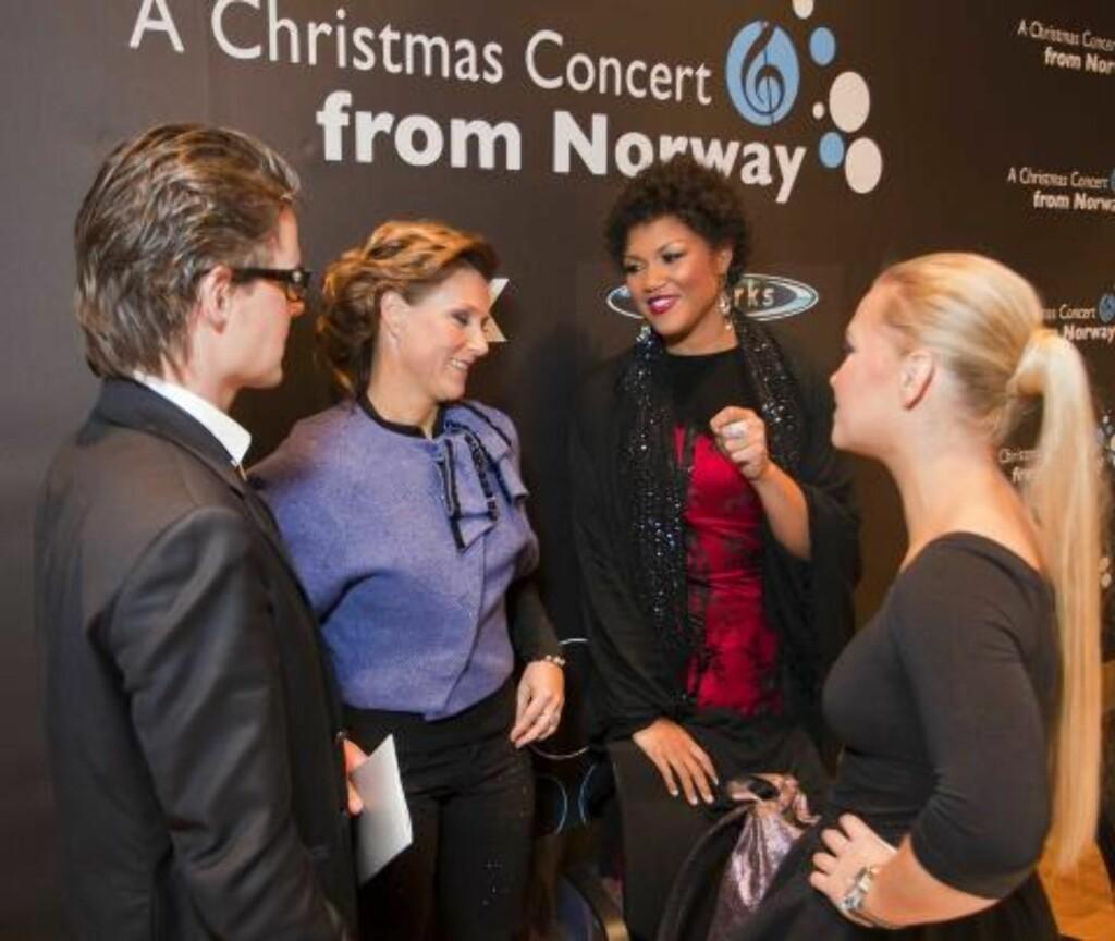 SAMTALE: Prinsesse Märta i samtale med sopranen Measha Brueggergosman og arrangørene Håkon og Mari Silje Samuelsen FOTO: PER FLÅTHE