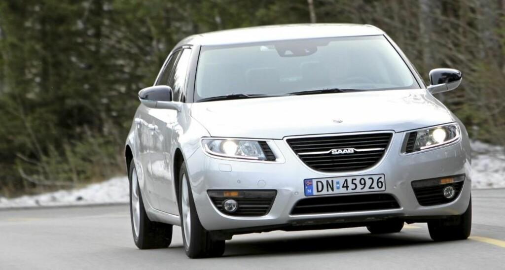 KJØRER BILLIG: Hvem hadde vel trodd at Saab 9-5 skulle være en av de gjerrigste premium-familiebilene? 0,57 l/mil er et veldig godt resultat. Foto: Petter Handeland