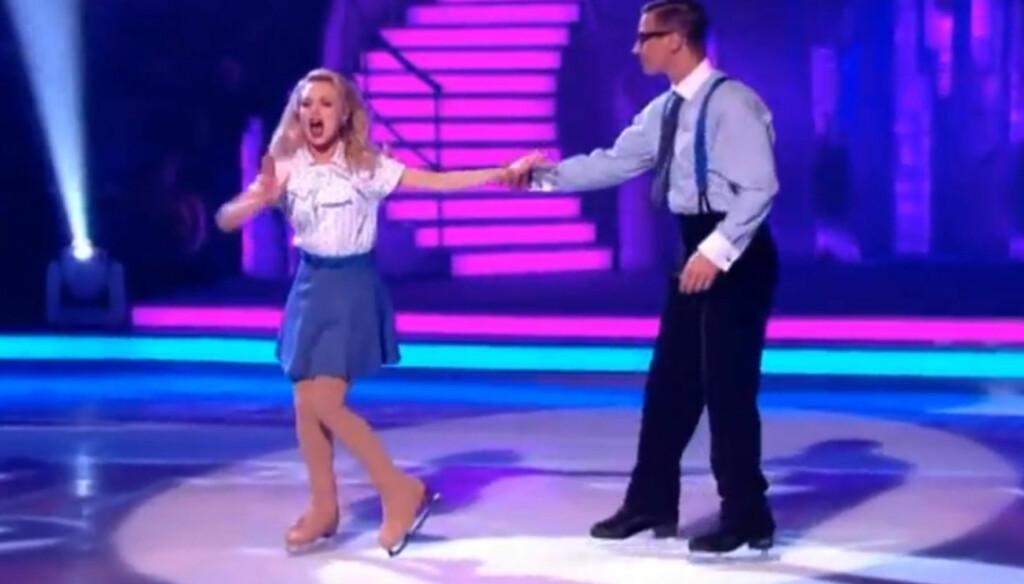 POPULÆR PÅ ISEN: Den kvinnelige såpestjernen Jorgie Porter gjør for tiden stor suksess i den britiske versjonen av «Isdans», men innsatsen har gjort store utslag på privatlivet med kjæresten. Foto: ITV