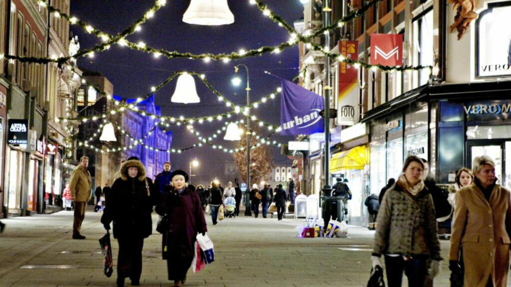 GLISSENT: Vi bruker mindre penger på juleshopping i år enn i fjor. Foto: Torbjørn Grønning/Dagbladet