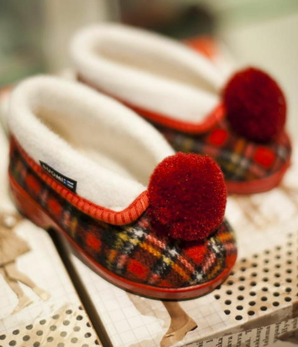ALLE TØFLERS MOR: Reinokappa er finske, håndlagde tøfler for store og små.
