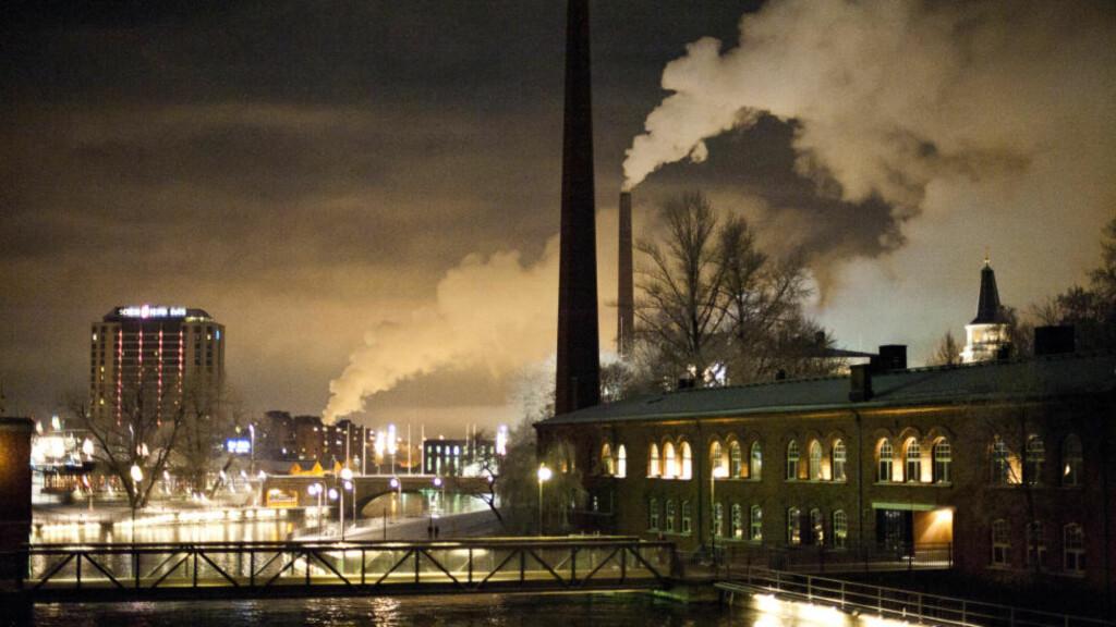 TAMPERE BY NIGHT: Den finske industribyen Tampere var én av de første i Europa som fikk elektriske lys, og var lenge en av de viktigste industribyene i Norden. Alle foto: HÅKON EIKESDAL