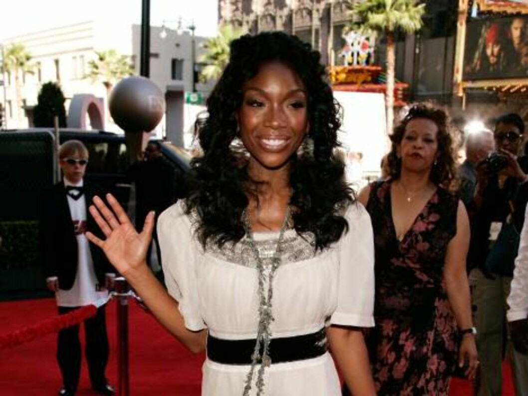 <strong>HOLLYWOOD - JULY 12:</strong>  Singer Brandy arrives at the 2006 ESPY Awards at the Kodak Theatre on July 12, 2006 in Hollywood, California.  (Photo by Vince Bucci/Getty Images) *** Local Caption *** Brandy  * SPECIAL INSTRUCTIONS:  * *OBJECT NAME: 71415539CA117_2 Foto: All Over Press