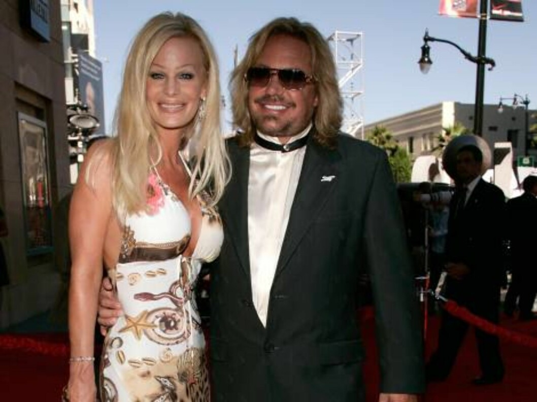 <strong>HOLLYWOOD - JULY 12:</strong>  Lia Neil and Vince Neil arrive at the 2006 ESPY Awards at the Kodak Theatre on July 12, 2006 in Hollywood, California.  (Photo by Vince Bucci/Getty Images) *** Local Caption *** Lia Neil;Vince Neil  * SPECIAL INSTRUCTIONS:  * *OBJECT Foto: All Over Press