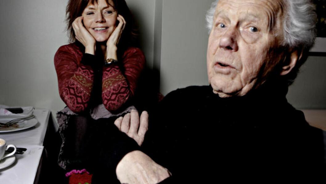 <strong>SØSKENKJÆRLIGHET:</strong> Mari og Toralv Maurstad er halvsøsken og to av Norges mest kjente skuespillere. I januar skal de spille i samme forestilling på Nationaltheatret. Foto: Lars Eivind Bones