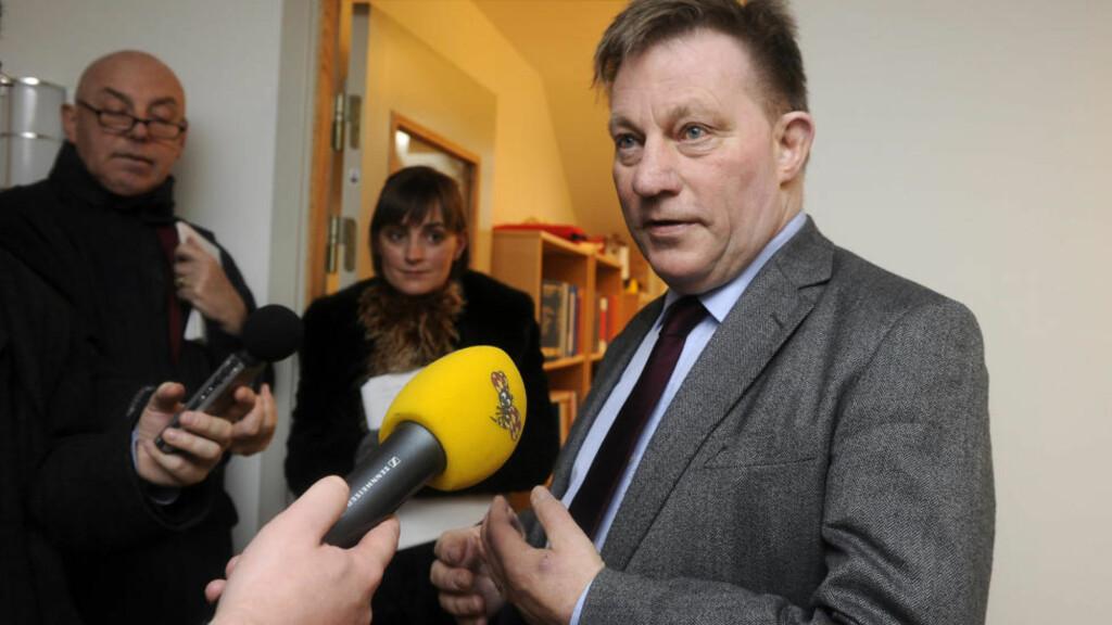 IKKE OVERRASKET: Advokat Claes Borgström, som representerer de to kvinnene bak voldtektsanklagene mot Julian Assange, mener det er viktig at Wikileaks-grunnleggeren nå ikke forlater landet: Foto: Foto: EPA/Anders Wiklund/Scanpix