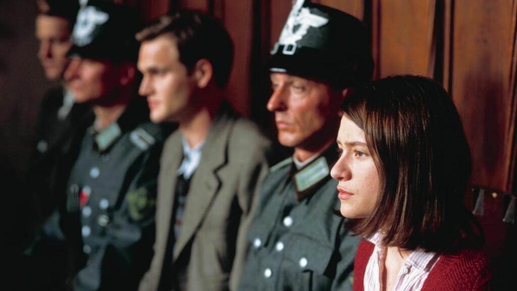 STERK HISTORIE: Julia Jentch spilte Sophie Scholl i filmen «Sophie Scholls siste dager», som gikk på kino i 2006. Peter Normann Waages bok «Leve friheten!» tar for seg hsitorien om organisasjonen «Den hvite rose», fortalt ved hjelp av tidsvitnet Traute Lafrenz. Foto: FILMWEB