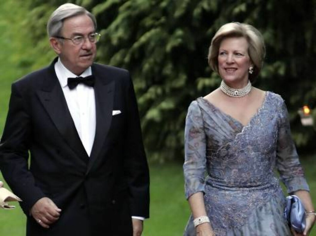 King Constantine & Queen Anne-Marie of Greece attend the SIlver Wedding Anniversary Celebrations of Grand Duke Henri & Grand Duchess Maria-Theresa of Luxembourg. Gala Dinner at the Chateau de Berg. Picture: UK Press Foto: All Over Press