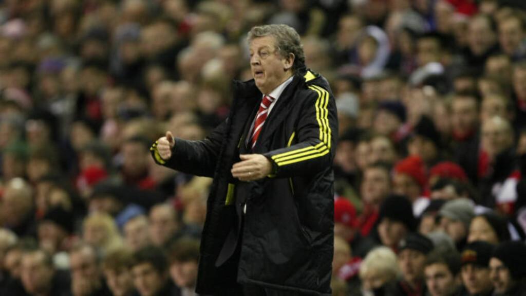 IKKE GJENSYN MED GAMLEKLUBBEN: Liverpool-manager Roy Hodgson må vente på sin første kamp mot gamleklubben Fulham etter at kveldens oppgjør på Anfield ble avlyst.Foto: SCANPIX/AP Photo/Tim Hales