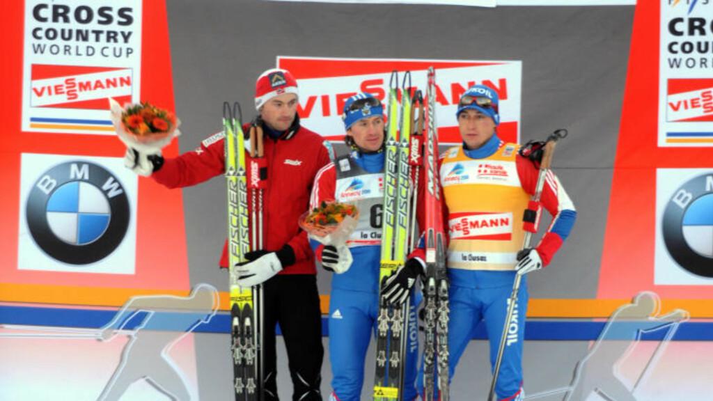 FOR SEINT: Petter Northug lot konkurrentene vente, og da han til slutt dukket opp, manglet han startnummer-vesten. Det gir ham en bot på omkring 10 prosent av premiepengene for andreplassen. Foto: Jean Pierre Clatot, AFP/Scanpix