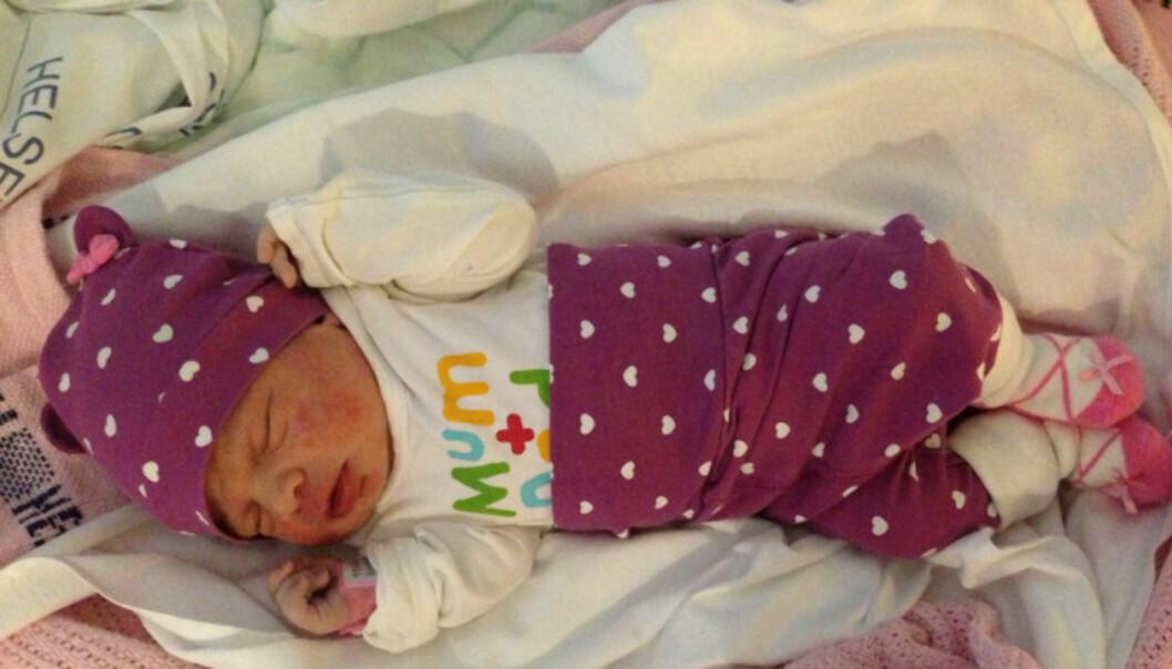 NYFØDT: Torsdag morgen ble Rannveig Heitmann mamma til sitt andre barn - en liten jente som har fått navnet Emma Angelica.  Foto: Privat