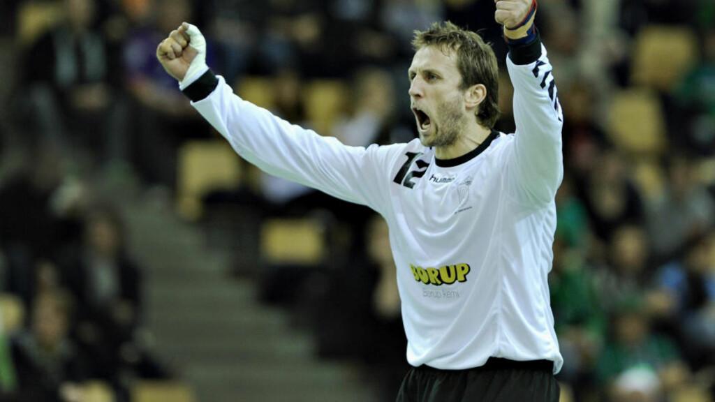 MESTER: AGs norske målvakt Steinar Ege jubler for cupseier. Foto: Claus Fisker / SCANPIX
